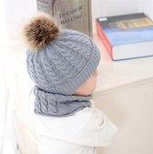 Set muts en colsjaal Baby 4 -7 maanden (maat 68) | Beanie pompom Grijs | Grijze Winter colsjaal en muts | kinderen accessoires | matching | meisjes en jongens sjaal - muts