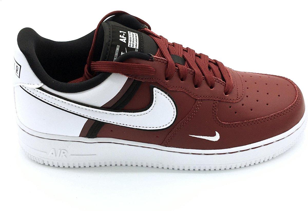 | Nike Air Force 1 '07 LV8 2 Sneakers Heren Maat 40