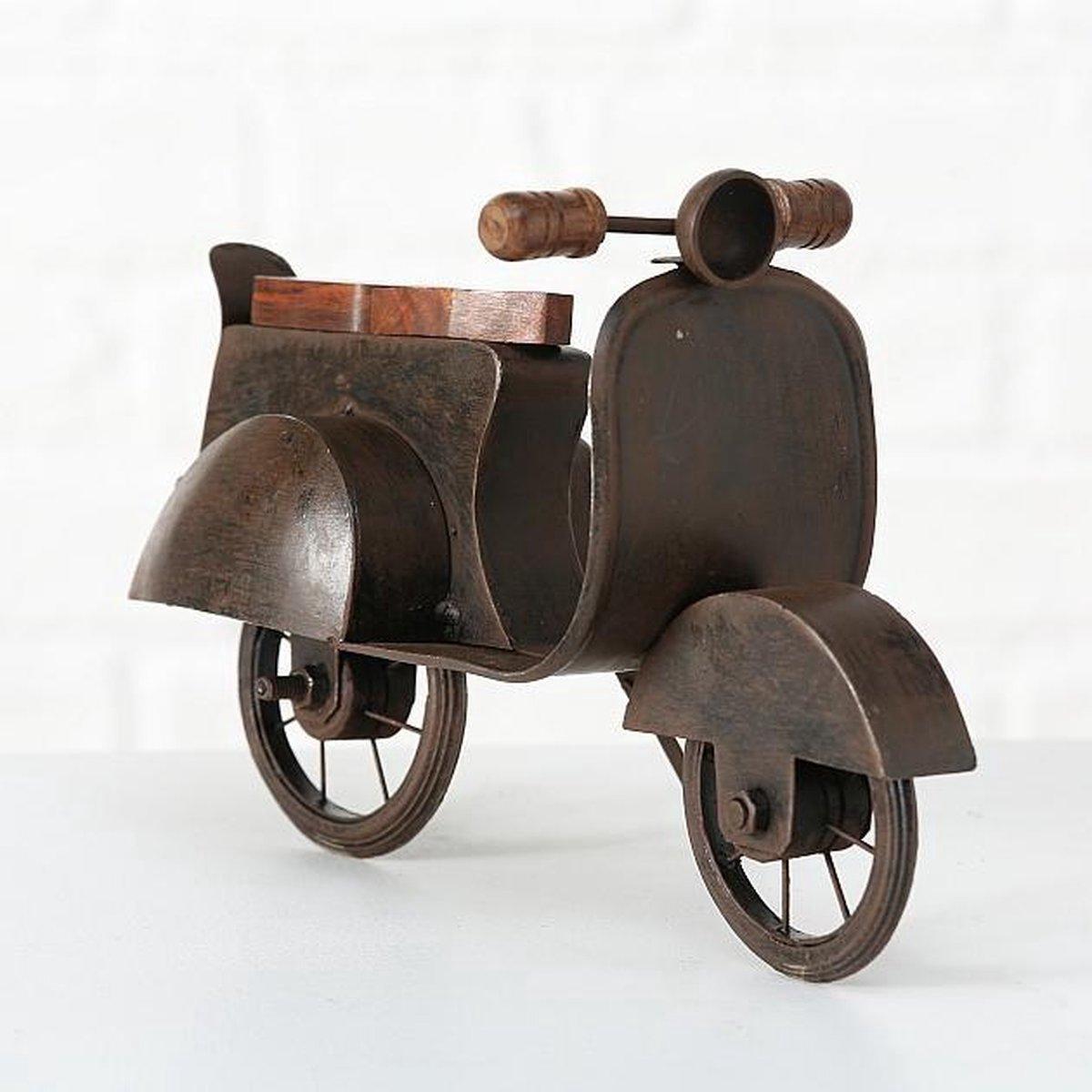 Decoratieve stoere scooter