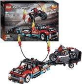 LEGO Technic Truck en Motor voor Stuntshow - 42106