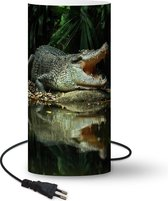 Lamp Krokodillen - Krokodil bij water lamp - 33 cm hoog - Ø16 cm - Inclusief LED lamp
