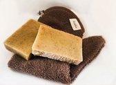 Koeka Baby Washandschoen met Natuurlijke Zeep- Veilig douchen- ECO Friendly -Parabenen Vrij- Cadeaupakket