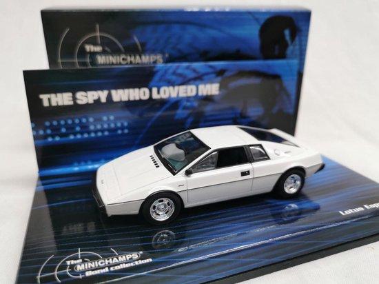 Movie Memorabilia Lotus Esprit S1 'The Spy Who Loved Me' - 1:43 - Minichamps