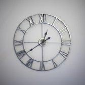 Stijlvolle LW Collection Moderne Klok Zilver Grijs Zwart Rond Metaal 60cm griekse cijfers / Grijze Zilveren Klok Griekse Cijfers / Zilveren Grijze ronde Klok / Ronde Grijze Muur Klok Vintage