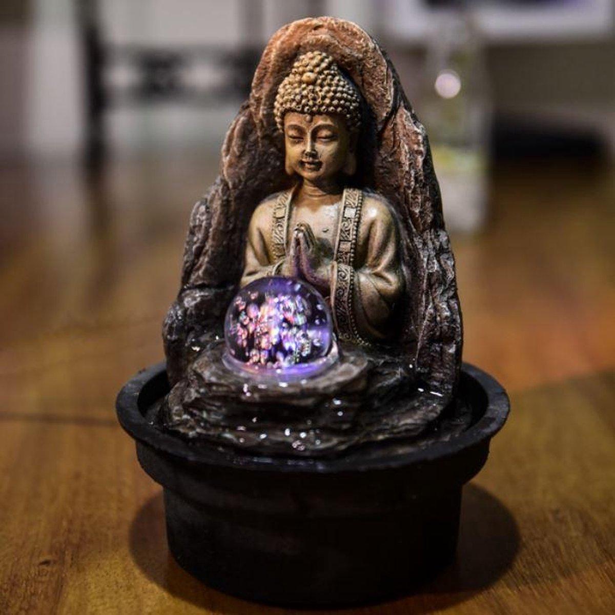 Fontein Peace Boeddha 21 cm - interieur - fontein voor binnen - relaxeer - zen - waterornament - cadeau - geschenk - relatiegeschenk - kerst - nieuwjaar - verjaardag - origineel - lente - zomer - lentecollectie - zomercollectie - afkoeling - koelte