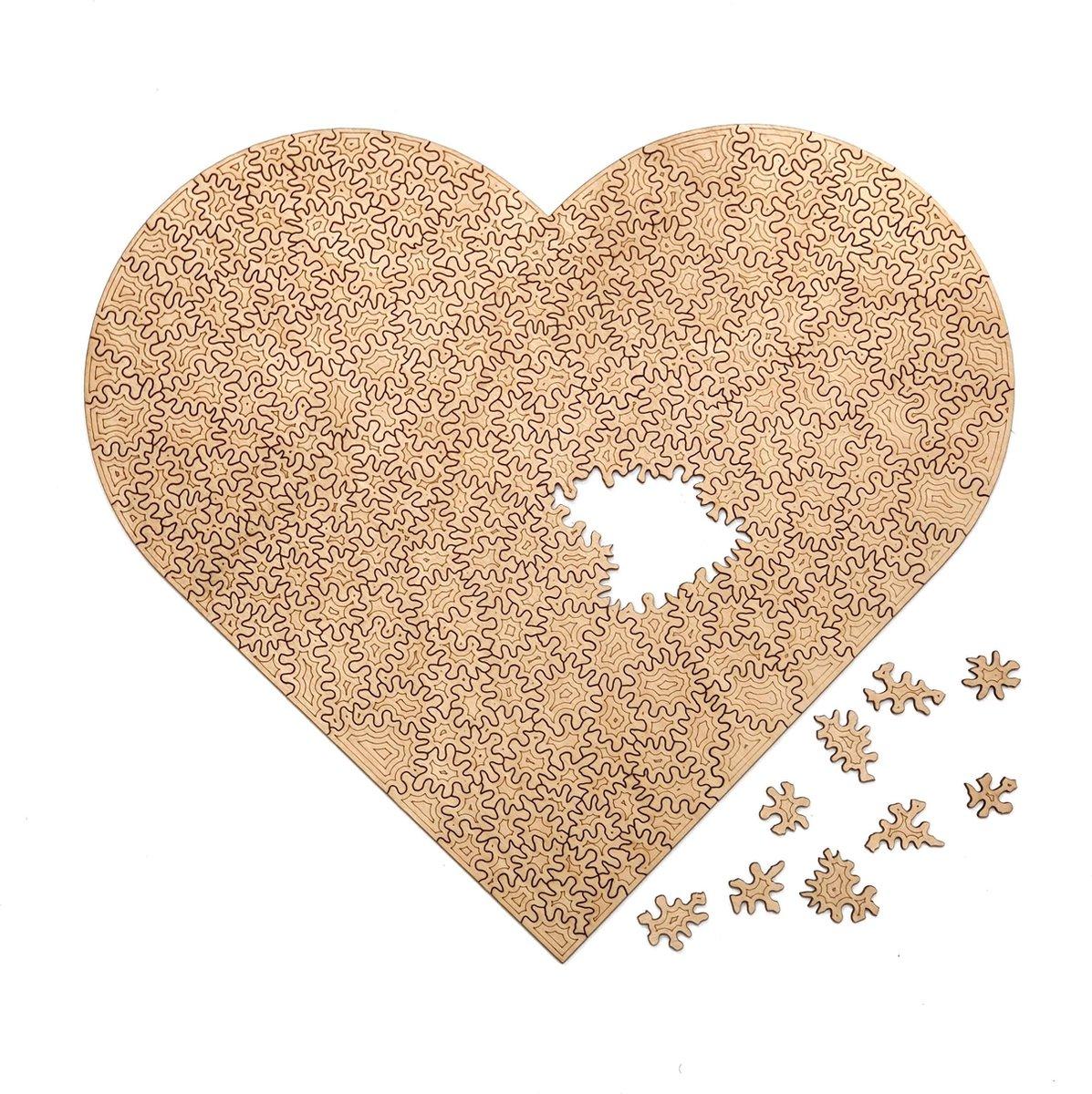 Gebroken Hart | Houten Puzzel | Chaos serie - 300 stukjes | Legpuzzel | Jigsaw| Origineel Dutch design | Geproduceerd in Nederland | Kaboomlaser