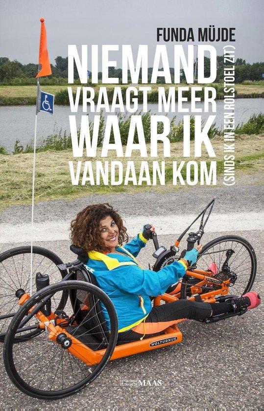 Niemand vraagt meer waar ik vandaan kom (sinds ik in een rolstoel zit) - Funda Müjde |