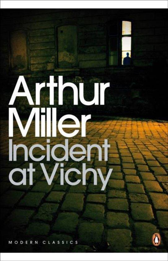 Boek cover Incident at Vichy van Arthur Miller (Paperback)
