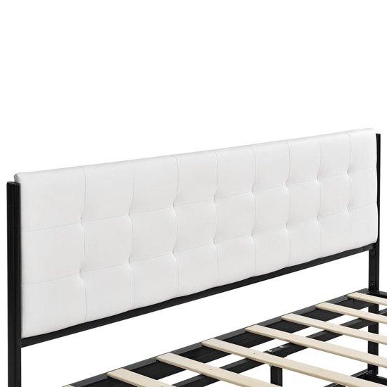Luxe Metalen - frame bed met lattenbodem - 140x200-zwart - en.casa