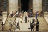 Collage, B: Exodus: Götter und Könige