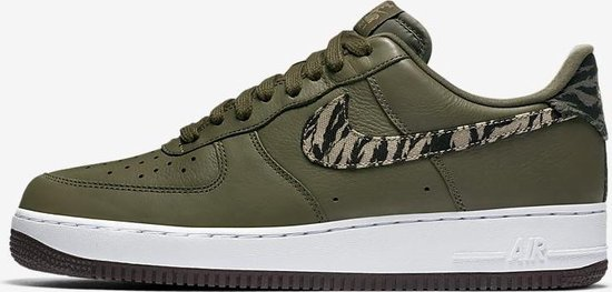 bol.com | Nike Air Force 1 AOP Premium - Maat 43