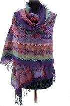 Paarse wollen shawl met laagjes