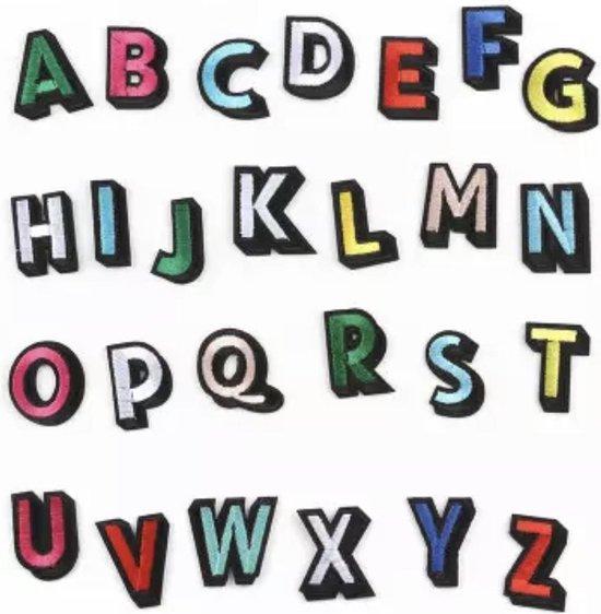 Strijk Embleem Gekleurd 26 stuks - Alfabet - Letters Stof Applicatie - Geborduurd - Kleding - Badges - Schooltas - Strijkletters - Strijkembleem - Kleding  - Regenboog