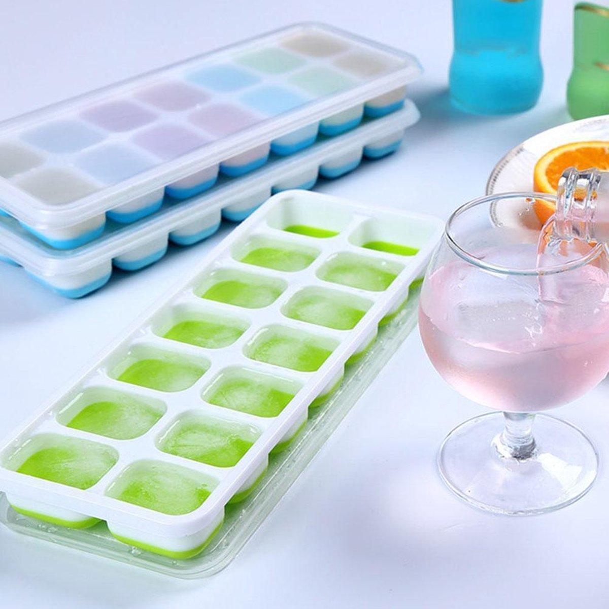 Ijsblokjes maker met deksel, BPA vrij en met silicone bodem om de ijsblokjes zonder enige moeite uit