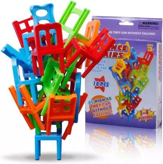 Afbeelding van het spel Stapel de stoelen! - Leuk gezelschapsspel voor het hele gezin - Stapel zo veel mogelijk stoelen