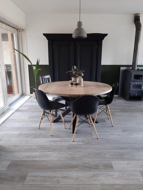 Ronde eikenhouten eettafel, stalen matrix poot, 140 cm, duurzame tafel, symmetrische matrix, industrieel, staal en hout, eikenhout