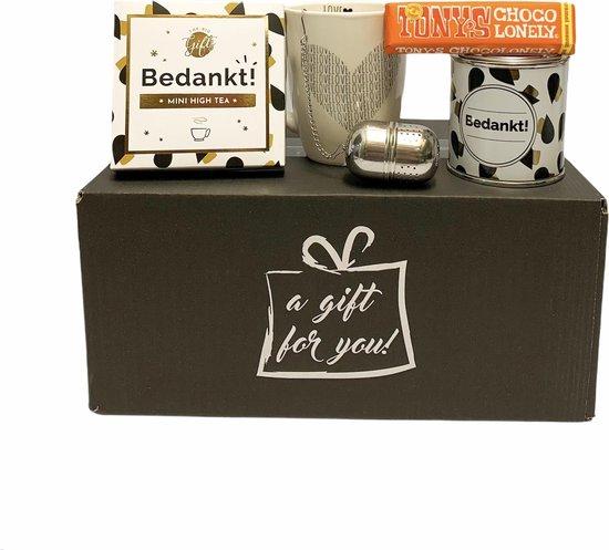Tony's thee cadeau pakket - Verjaardagscadeau - thee - bedankt - Moederdag 2021 -Verjaardag - relatiegeschenken - Tony's chocolonely - cadeau voor man - cadeau voor vrouw - Vrouwen cadeau - Home - lIfestyle - Theepakket - Valentijn - Thuisblijvertjes
