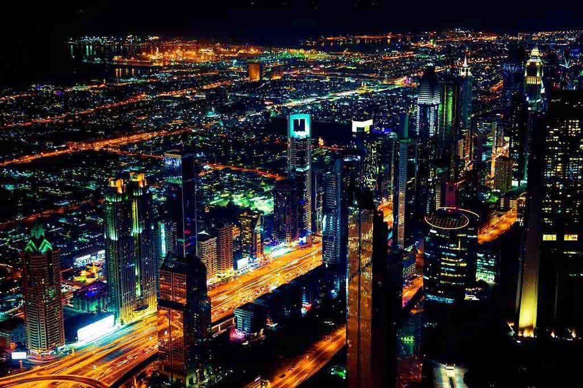 Fotokunst   Schilderij - Abstract - Dubai By Night - 90 x 60 cm - Plexiglas of Dibond - Wanddecoratie - Xi Art