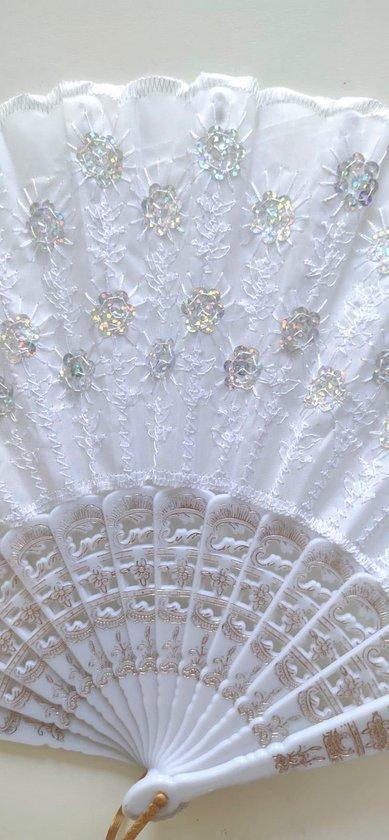 Spaanse handwaaiers met borduursels en pailletten 3 stuks wit