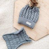Baby Dutch muts en sjaal grijs