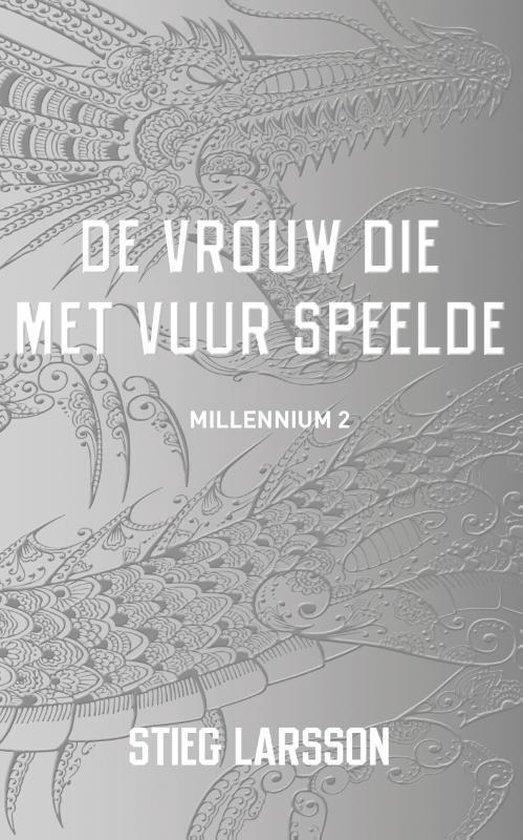 Omslag van Millennium 2 -   De vrouw die met vuur speelde