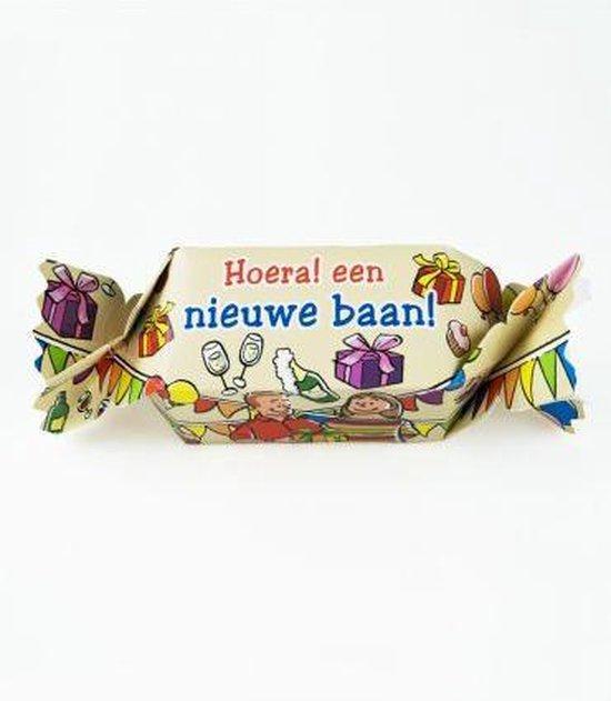 Snoeptoffee - Hoera een nieuwe baan - Gevuld met een snoepmix - In cadeauverpakking met gekleurd lint