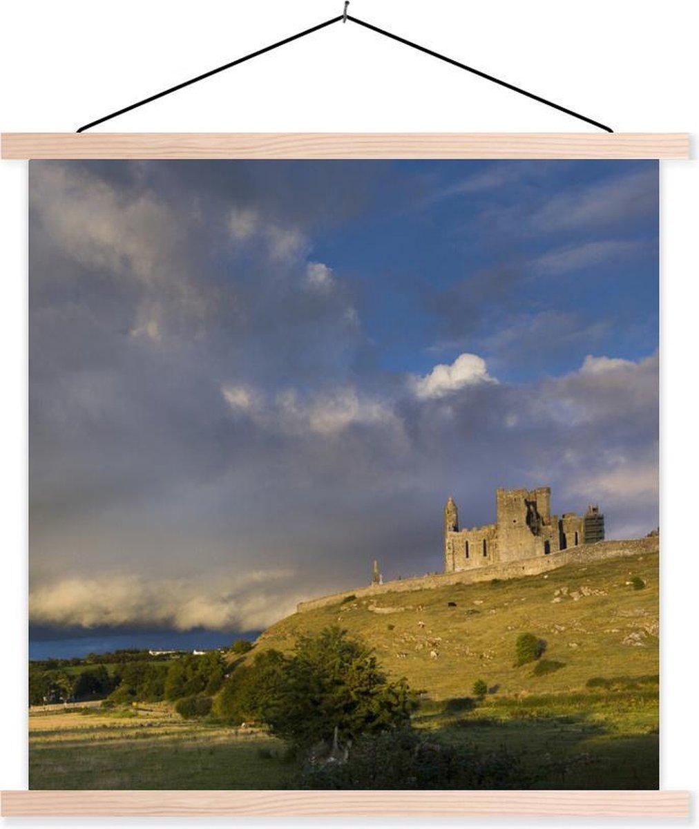 Rock of Cashel met de zonsondergang textielposter latten blank 60x60 cm - Foto print op schoolplaat (wanddecoratie woonkamer/slaapkamer)