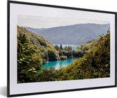 Poster met lijst Nationaal park Plitvicemeren - Het landschap van het Nationaal park Plitvicemeren fotolijst zwart met witte passe-partout - fotolijst zwart - 60x40 cm - Poster met lijst