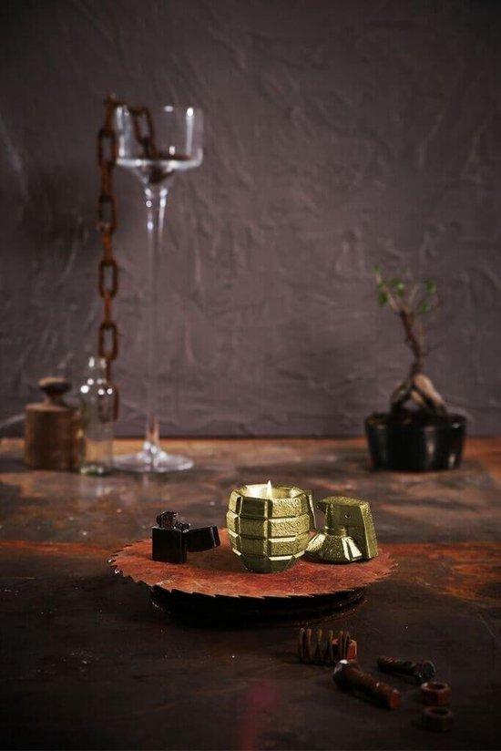 Geel goud gelakte Candellana betonkaars, Granaat  Hoogte 14 cm (40 uur)