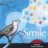 Smile. 365 opgewekte meditaties