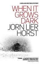 Omslag When it Grows Dark