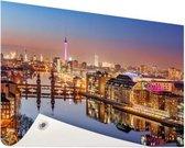 Panorama van Berlijn bij schemering Tuinposter 120x80 cm - Tuindoek / Buitencanvas / Schilderijen voor buiten (tuin decoratie)