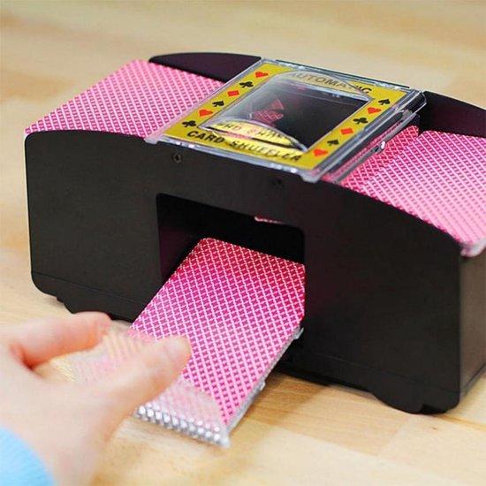 Thumbnail van een extra afbeelding van het spel Spilt Kaartschudmachine - Kaartenschudder Speelkaarten - Automatische Kaartschudder - Kaarten Schudder - Card Shuffler - 2 Sets Tegelijk