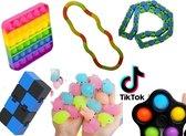 Fidget toys pakket midi   pop it   wacky tracks   mochi   infinity cube   Tangle   Simple Dimple Spinner   Gezien op Tiktok