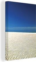 Bijzondere structuur in het witte strand van het tropische Nationaal park Lucayan Canvas 80x120 cm - Foto print op Canvas schilderij (Wanddecoratie woonkamer / slaapkamer)