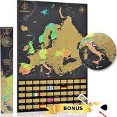 YOUR ADVENTURE Scratch Map Europa - Zwart - mét 50 vlaggen - Meest gedetailleerde Kras Map Europa inclusief vergrootglas en krasser - Kraskaart Europa met gouden laag om te krassen - Europa Kraskaart - Kaart Europa Kras gemaakt in de Benelux