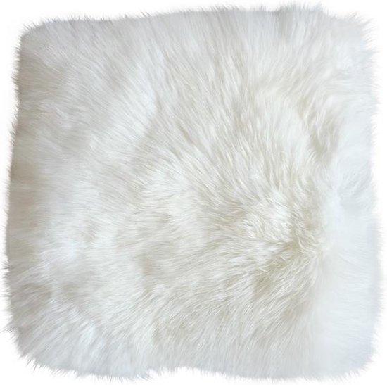 Stoelkussen schapenvacht vierkant natuurlijk wit - stoelzitting vacht - stoelpad schapenvacht