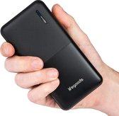 Afbeelding van LifeGoods 20000 mah Powerbank - 6x iPhone X Quick Charge Opladen - 2 Apparaten Tegelijk Snelladen met USB - Powerbank Opladen met USB C of Micro USB  - Compact en Lichtgewicht voor Reizen - Geschikt voor elke Smartphone of Tablet - Zwart