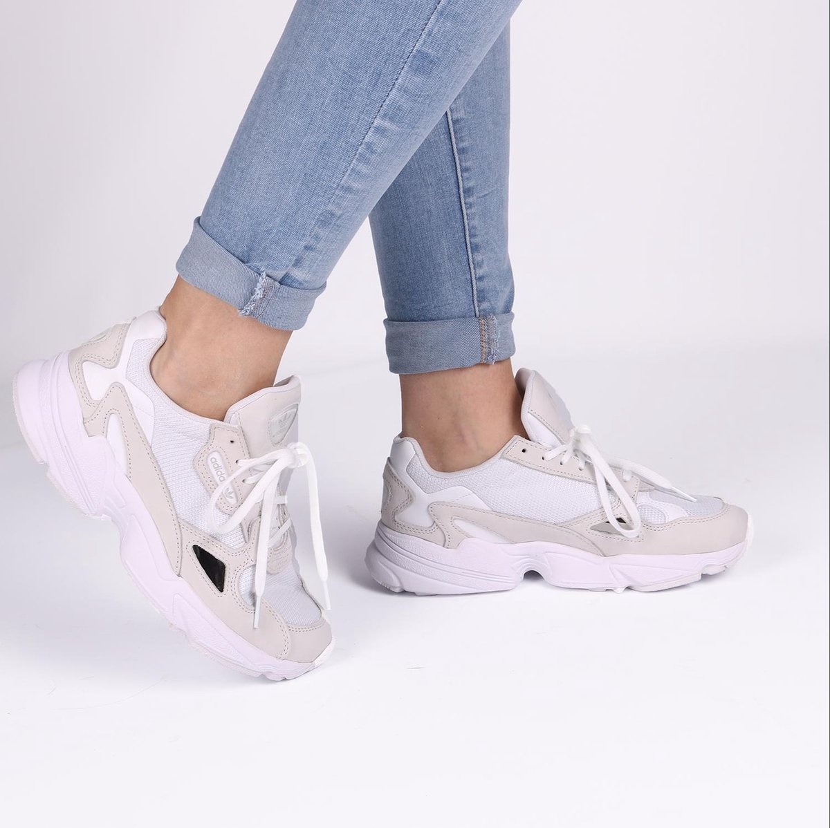 Adidas - FALCON white / UK 6.5