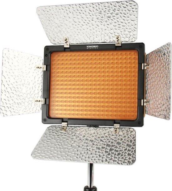 YONGNUO 300 LEDs Pro LED Studio Videolamp voor Canon / Nikon / Sony Camcorder DSLR (YN300) (Zwart)