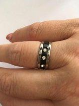 Petra's Sieradenwereld - RVS Ringen set 3 ringen zilverkleurig en zwart Maat 17 (122)