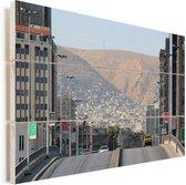 Rustig straatbeeld van de Syrische hoofdstad Damascus Vurenhout met planken 120x80 cm - Foto print op Hout (Wanddecoratie)