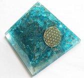 Orgonite Piramide van Blauwe Topaas met Flower of Life (40 mm)
