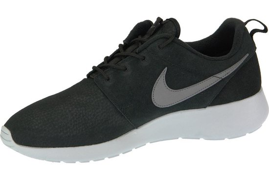   Nike Roshe One Suede Sneakers Maat 42 Mannen