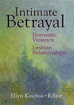 Omslag Intimate Betrayal