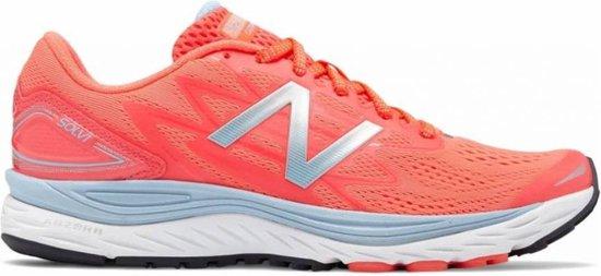 bol.com | New Balance WSOLVLP1 roze hardloopschoenen dames