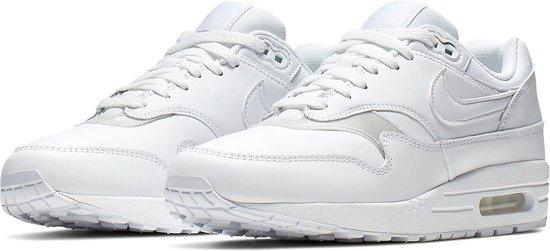bol.com | Nike Air Max 1 Sneakers - Maat 38.5 - Vrouwen - wit