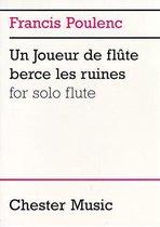 Un Joueur De Flute Berce Les Ruines
