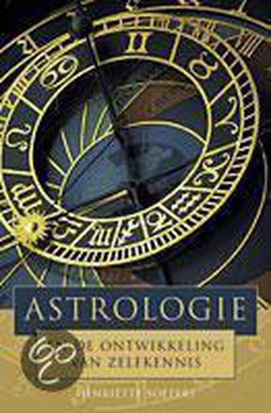 Astrologie En De Ontwikkeling Van Zelfkennis - Henriëtte Soeters  