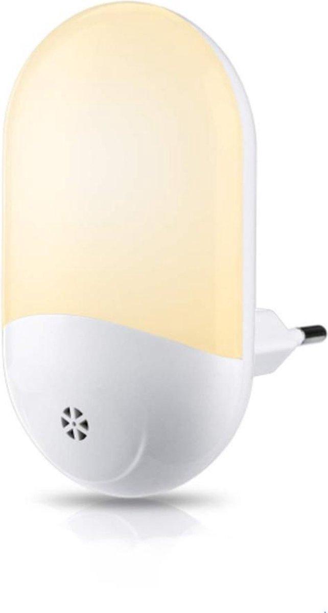 Peerlights - LED-nachtlampje plug-in/stopcontact – nachtlampje met dag/nacht sensor – Werkt op stroo